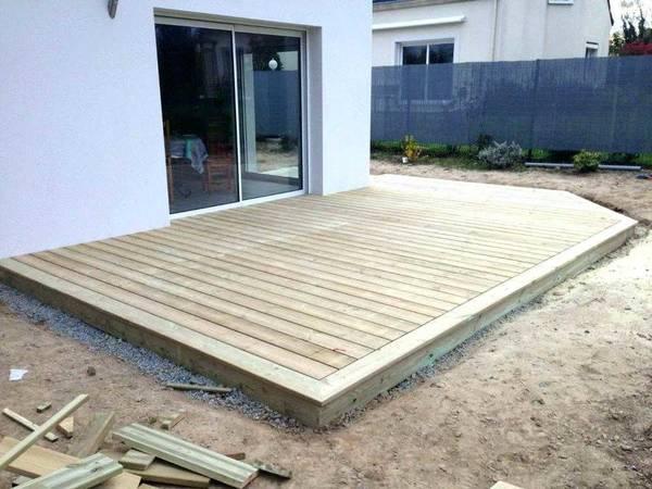pose terrasse bois sur terre
